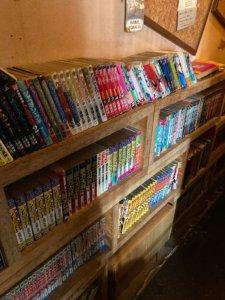 高円寺「Dogberry」の本棚