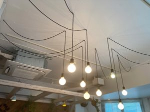 高円寺「light side cafe」の照明