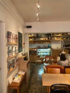 高円寺「light side cafe」の店内
